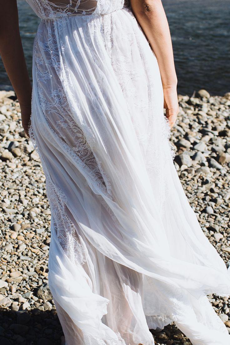 Genevieve | Grace Loves Lace | The Oracle Editorial #bohoweddingdress #bohemianweddingdress #laceweddingdress #lace