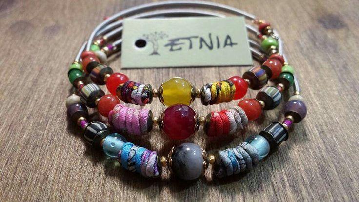 Pulseras Indonesia. Etnia te trae estas pulseras tan originales. Combinan piedras, cristales, perlas, seda...