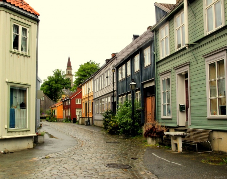 Old timber houses, Bakklandet, Trondheim. #trondheim #trøndelag #norway