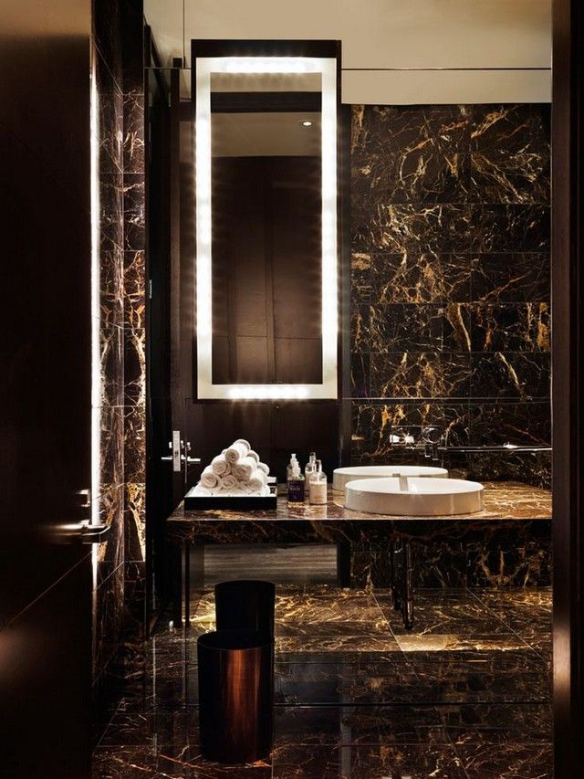 Magnificent and modern bathroom in black with gold thread  #marble #floor #bathroom #interior #naturalstone