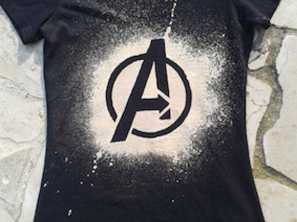 Gebleichtes Shirt  Mit ein paar einfachen Schritten entsteht ein individuell gestaltetes Shirt.  Material: Einfarbiges (günstiges) T-Shirt Schutzhandschuhe Bleiche (Drogeriemarkt) Sprühflasche (bitte beschri