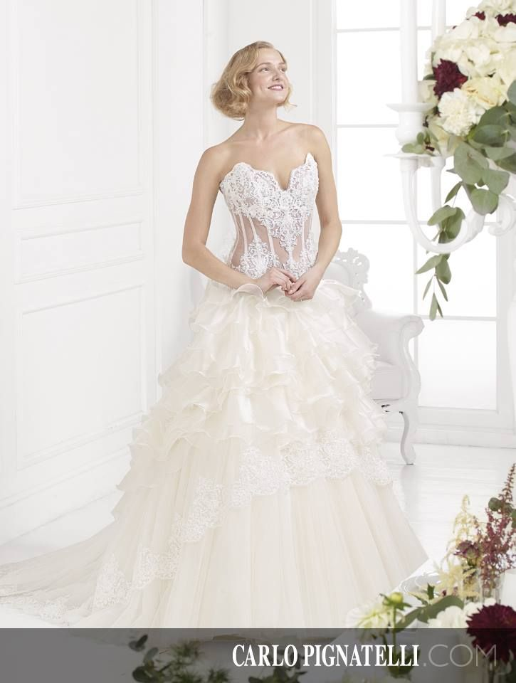 Fiorinda le spose di Carlo Pignatelli - collection 2015. #carlopignatelli #fiorinda #bride #sposa #weddingdress #bridalgown #wedding #matrimonio #weddingday