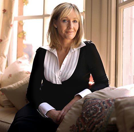 J.K. Rowling(Harry Potter serisinin yazarı..Kitap, dünyada 400 milyon kopya satarak üne kavuşan Rowling, kitap yazarak milyarderliğine çıkan ilk kişi oldu.)