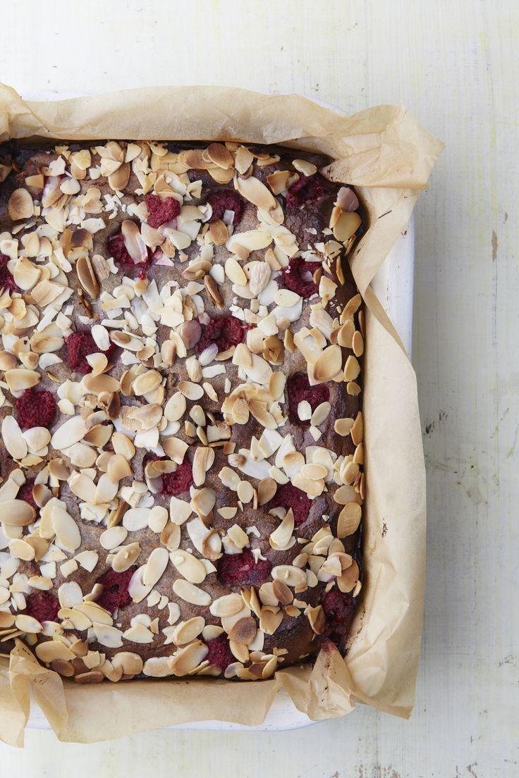 Recept voor Amandelcake met bramen en frambozen