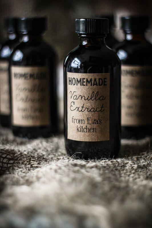 Love this printable label for homemade vanilla extract