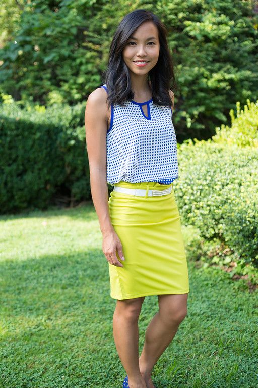 We're loving how Kate paired this keyhole Stitch Fix top with her neon lime…