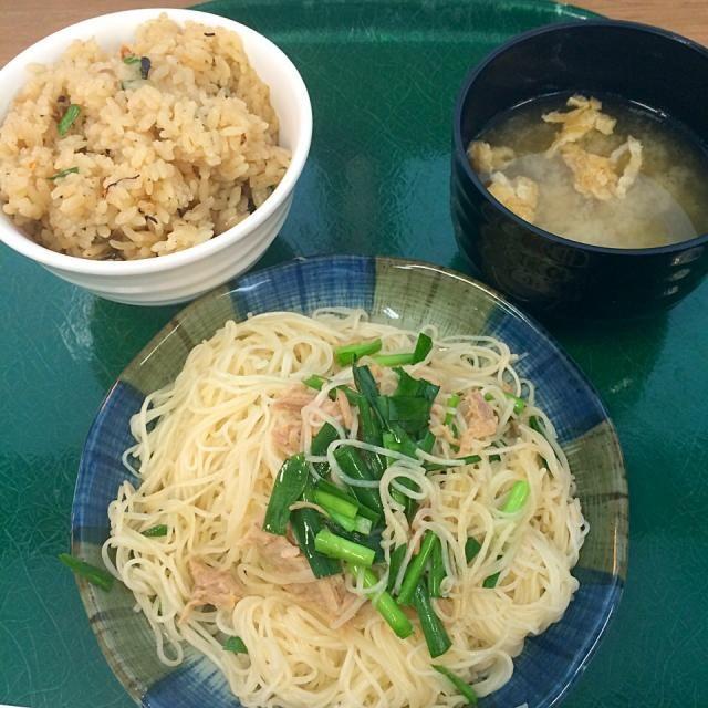 #okinawa #japon - 16件のもぐもぐ - そうめんちゃんぷるー、じゅーしー、味噌汁 by maixx ใหม่