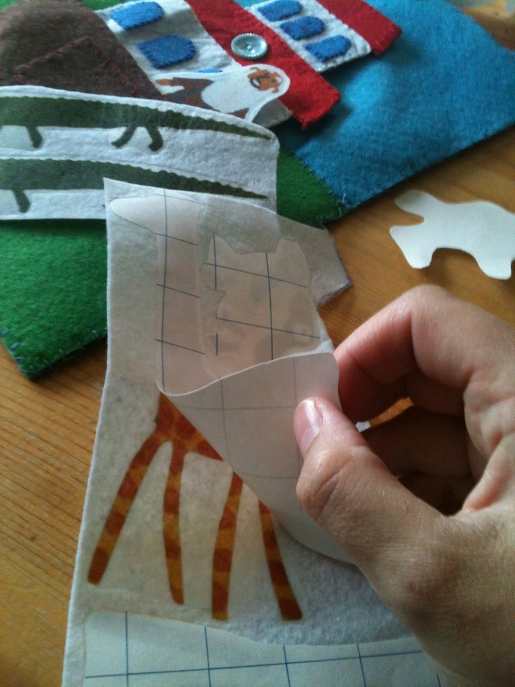 Use transfer paper to make things for felt board play