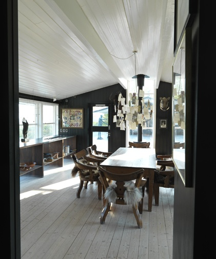 Dark walls on the inside   ::: mette lange architect maa :::