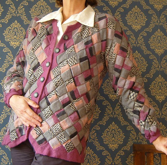 Entrelac Knitting Patterns Sweater : 379 best images about entrelac el navestickn on Pinterest Shawl, Ravelry an...