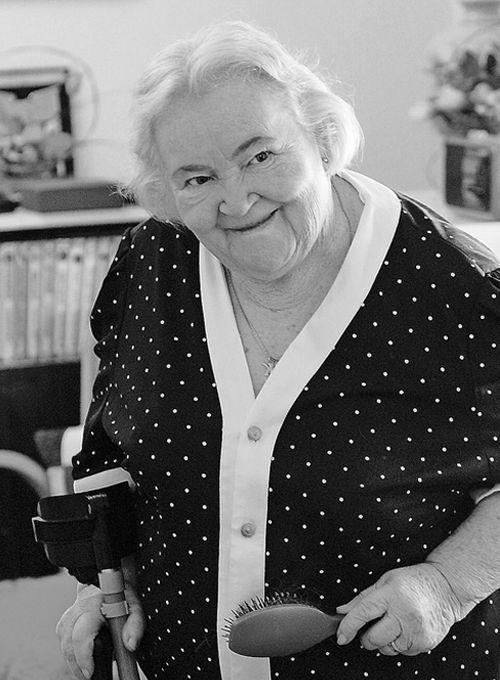 Katarína Kolníková (* 20. apríl 1921 – † 29. máj 2006)