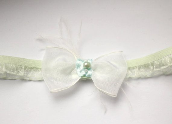 Mint Green Bow Garter - Wedidng Pearl Garter with Feathers - Gift for Bride - Bridal Shower Gift - Toss Garter