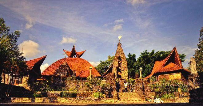 Gereja Puhsarang merupakan Gereja Katolik Roma yang ada di Kediri dan dijadikan sebagai tempat wisata religi di Kediri :) www.nusatrip.com  #nusatrip #travel #tiketpesawat #hotel #tiketmurah #hotelmurah #tiketpromo #hotelpromo #trip #vacation #holiday #flightdeals #hoteldeals #destination #indonesia #kediri #visitindonesia #promo #diskon    Photo: www.google.com