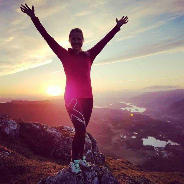 Godt nytt år! ☆ Med nytt år kommer refleksjoner. Takknemlig for flotte opplevelser i 2016. Mange nye erfaringer og gode minner. Men også ett tøft år. Stadige skuffelser over medisiner som ikke fungerer, høy sykdomsaktivitet og lite energi. Jeg har lært mye av det. Jeg har funnet flere måter å kunne hele kroppen. Med ett tilpasset kosthold, trening, meditasjon og mindfullness setter jeg grunnlaget. Og da gjør jeg faktisk det beste jeg kan. Om jeg skal velge ett ord jeg skal ta med meg videre…