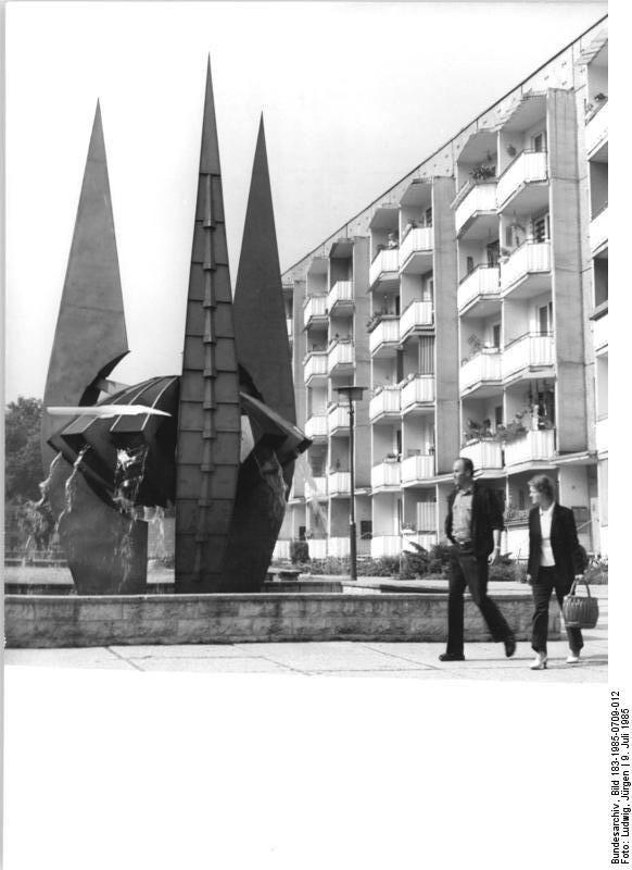 Die besten 17 bilder zu germany divided 1945 1990 ddr for Design hotel erfurt