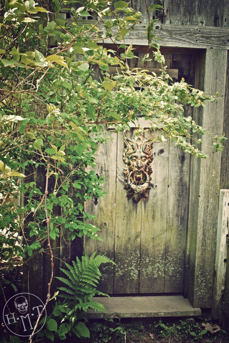 A Storybook Door................marieslittlewindows:    Maine Farm Door