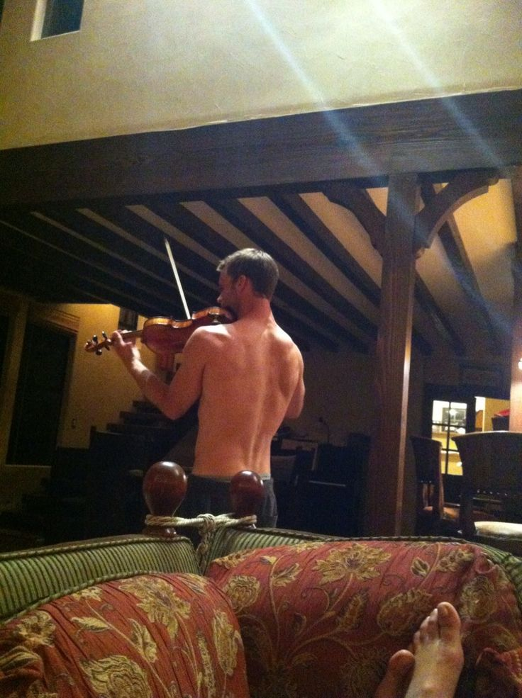 Like duh, we all need a shirtless Jesse Spencer to play violin for us... *drool*