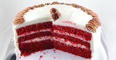 Tento dort je prostě impozatní. Jeho korpus je navíc nádherně vlhký. Bělostný krém chutí připomíná smetanového Pribináčka a korpus má krásně plnou čokoládovou chuť. Ideální pro zamilované. Na pečení Předehřátou troubu na 175°C Formu na pečení Mísy a hrnečky na míchání směsí Ruční šlehač, nebo metlu a odhodlání Na korpus 250g prosáté hladké mouky 1/2 ...