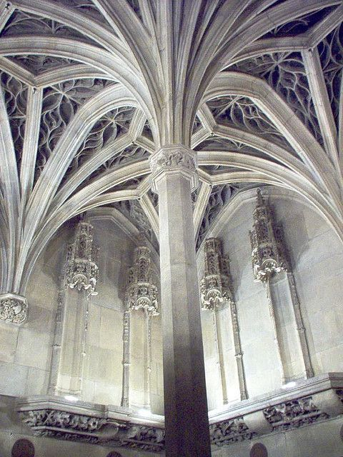 Paris 114 Day 04-Amazing Gothic Architecture, Musee Cluny by Daniel M Perez, via…
