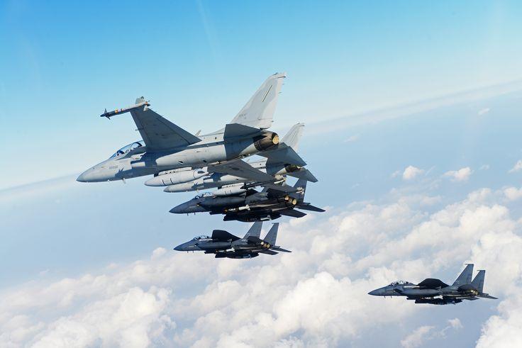 """""""주간 영공방위 임무를 실시한다"""" """"롸져 댓""""  F-15K, FA-50"""
