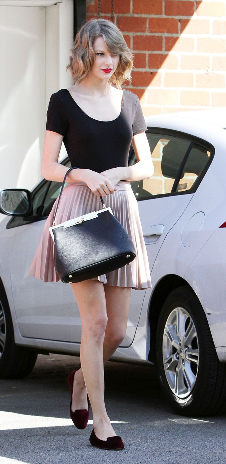 Taylor Swift in a casual yet ladylike look // #Style #Fashion