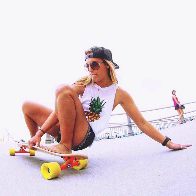 """""""Skate, Patinete, Patins, além de produtos para 55 esportes em um só lugar."""" - I like her pineapple_JMS"""