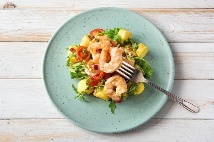 Prawns with Potatoes and Pesto Recipe | HelloFresh
