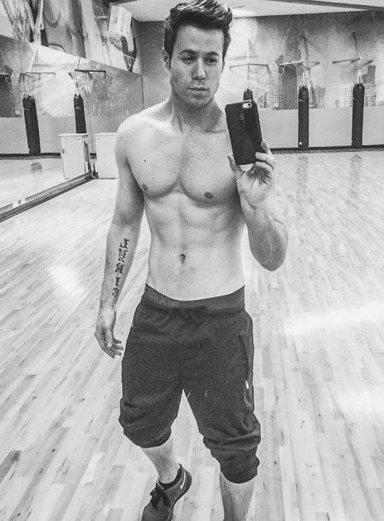 parker gay singles Ashley parker angel (born august 1, 1981) is an american singer, songwriter and actor who rose to fame with the boyband o-town the first single release.