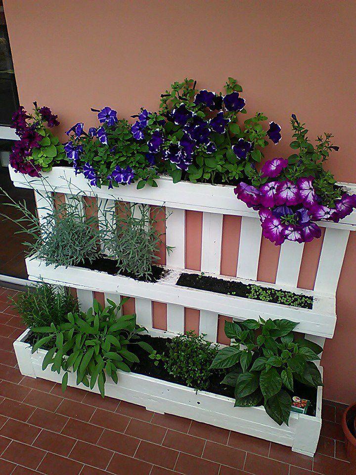 Fioriera da riuso bancale pallet per giardino o terrazza for Idee per realizzare una fioriera