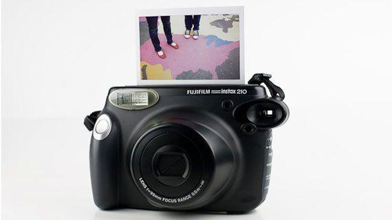Máy ảnh chụp lấy liền loại nào tốt. Máy ảnh Fuji Instax 210 Wide