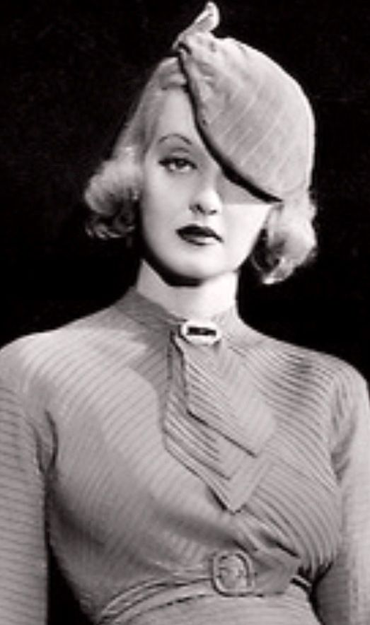 1930s fashion: Bette Davis, 1935. All-time great movie star and actress, my Mom loved her movies...