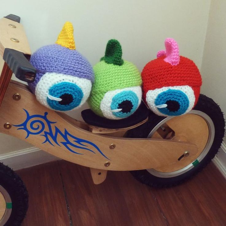 Monster toy amigurumi crochet