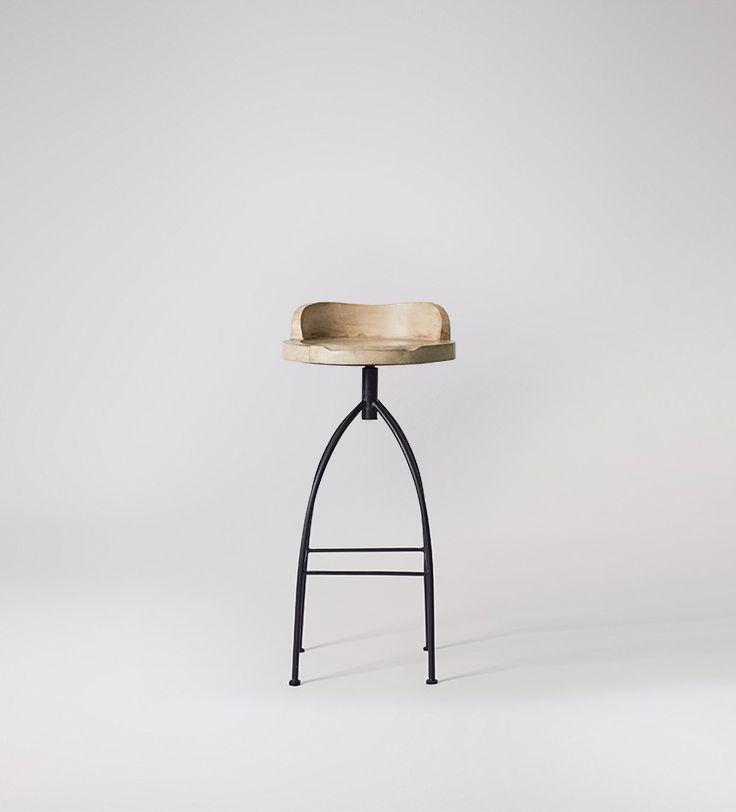 Mason stool in mango wood and black iron
