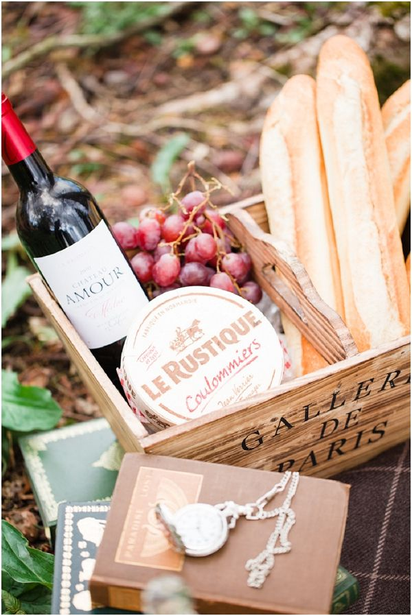 Cute for tables.    French picnic | Image by Cat Hepple Photography, see more at http://www.frenchweddingstyle.com/french-bohemian-elopement-teamamour/
