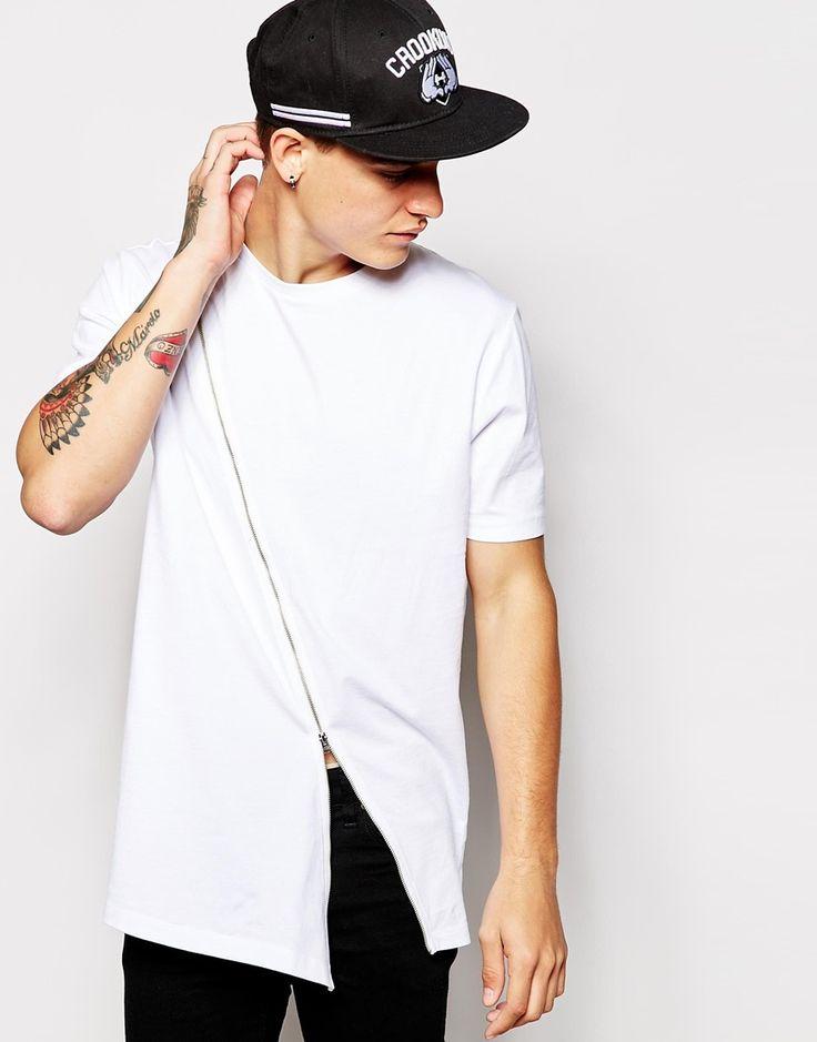 Imagen 1 de Camiseta larga con dobladillo asimétrico y detalle de cremallera de ASOS