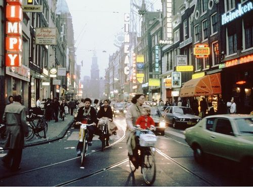 Amsterdam 1979, Reguliersbreestraat, view from Rembrandt Square, a time when cars were still allowed there