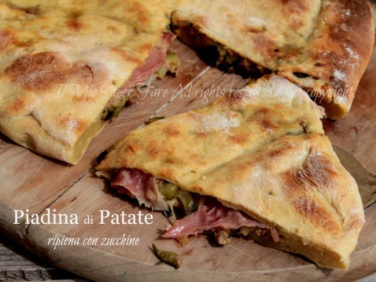 Piadina di patate ripiena con zucchine e salsiccia.Una pizza di patate cotta in forno simile alla piadina norvegese Lefse,ricetta senza lievito.