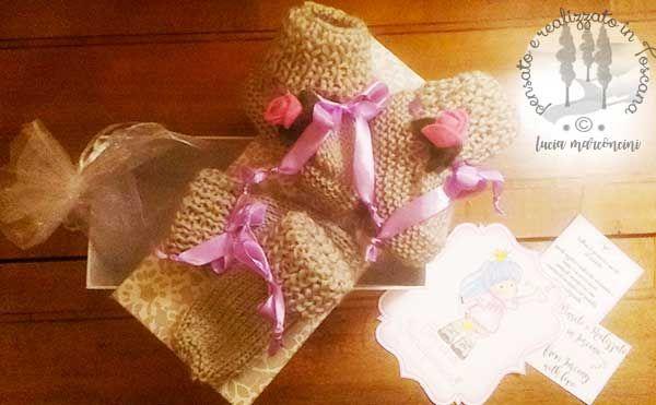baby knitScarpine e guantini per una principessina  https://iliveintuscanyistantidiluciamarconcini.com/2017/01/16/scarpine-e-guantini-per-una-principessina/ #knit #acquerelli