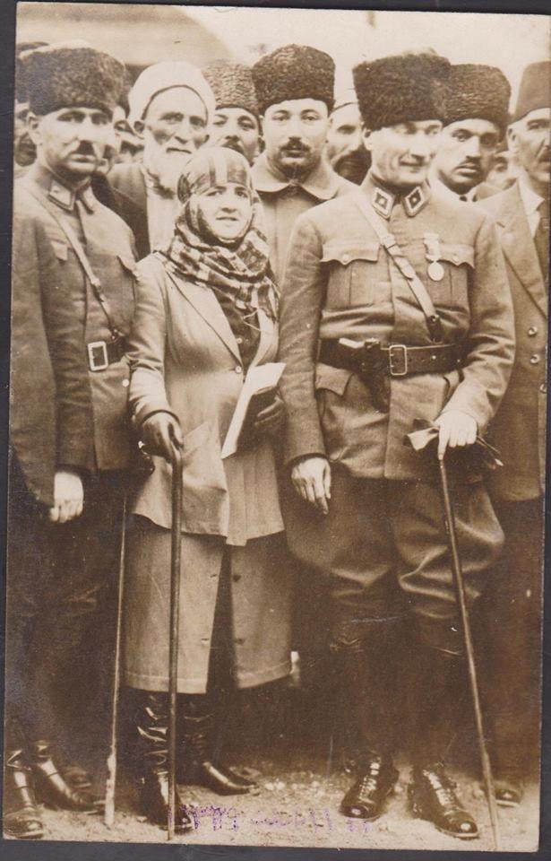 Mersin-Tren Garı-17 Mart 1923 Mustafa Kemal Atatürk ve Eşi Latife hanım...