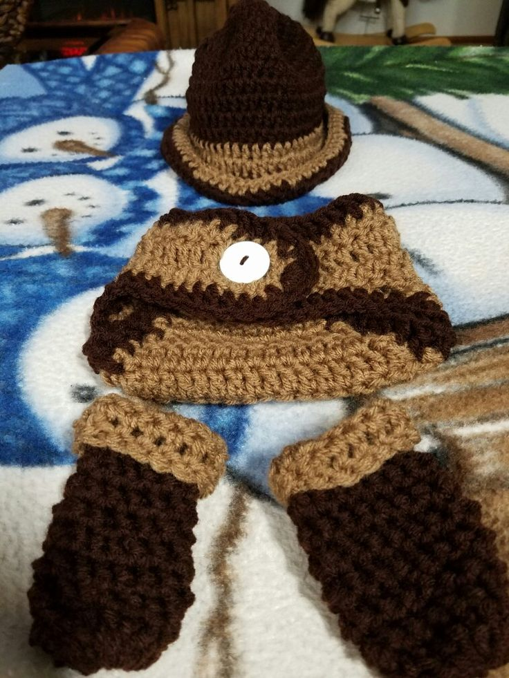 Cowboy hat diaper cover and booties for Noah