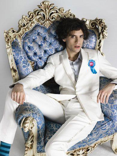 Mika sitting promo pic