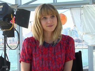 Zoe Kazan hair