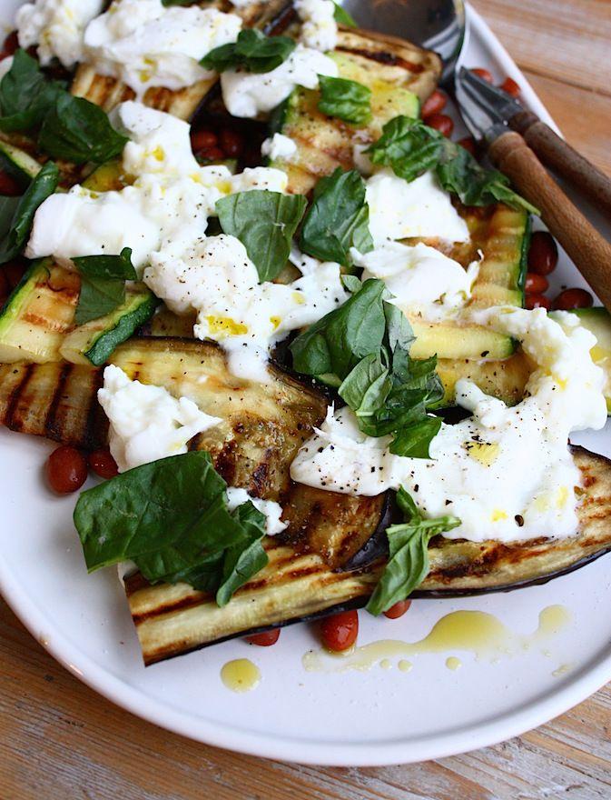 Salade met gegrilde groenten, mozzarella en borlotti bonen - Francesca Kookt: geschikt voor in de zomer
