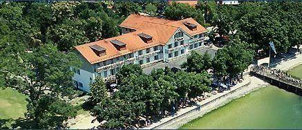 Hotel Seehof - 3 Star #Hotel - $100 - #Hotels #Germany #HerrschingamAmmersee http://www.justigo.tv/hotels/germany/herrsching-am-ammersee/seehof-herrsching-am-ammersee_203052.html