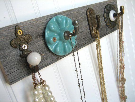 Turquoise and Bronze Jewelry Rack par sweetsadiek sur Etsy, $32,00