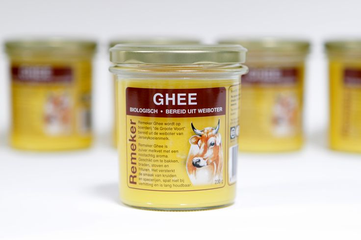 De Ghee, bereid uit de weiboter van de Jersey koeien, is puur van smaak en heeft een nootachtig aroma. Doordat dit product tot hoge temperaturen verhit kan worden, is het ideaal om mee te bakken, braden, stoven en frituren. De Ghee spat niet bij verhitting en versterkt de smaak van kruiden en specerijen. Als het deksel eenmaal is losgedraaid, heeft de Ghee steeds verse lucht nodig. Bewaar daarom bij kamertemperatuur met de dop licht erop. Op deze manier is de Ghee onbeperkt houdbaar.