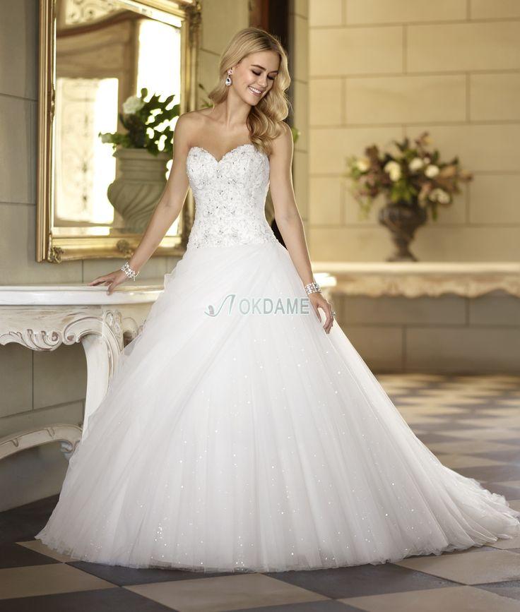 Klassisches birneförmiges Satin Herz-Ausschnitt pompöse exklusive Brautkleid