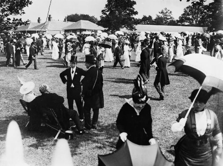 Royal Ascot before the First World War: http://www.aboutbritain.com/articles/royal-ascot.asp