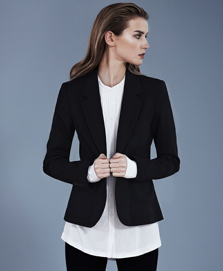 Black Blazer+White Blouse+Black Pants