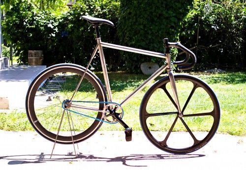 Τα πιο ιδιαίτερα χειροποίητα ποδήλατα φτιάχνονται στην Καρδίτσα